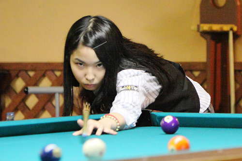 出典:http://www.billiards-cues.jp/news/2013/player_1/yuki_yuki.jpg