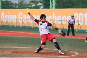 出典;http://spnavi.c.yimg.jp/spnavi/photo/other/softball0927_04.jpg